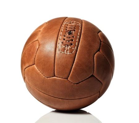 pelota de futbol: a�ada bal�n de f�tbol sobre fondo blanco