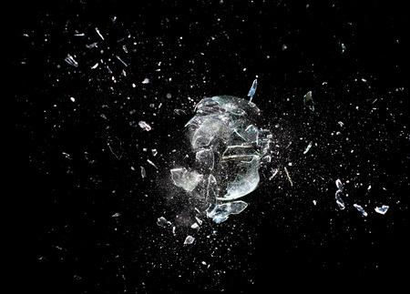 クローズ ガラス ボール爆発のイメージ アップ