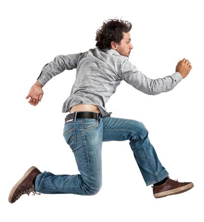 bonhomme blanc: portrait de l'homme caucasien de saut isol� sur blanc