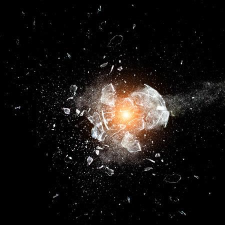 クローズ ガラス ボール爆発のイメージ アップ 写真素材 - 37230386