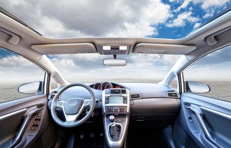 cielos abiertos: backgroun interior del coche sin gente Foto de archivo