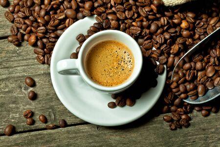 espresso: real espresso and coffee grain