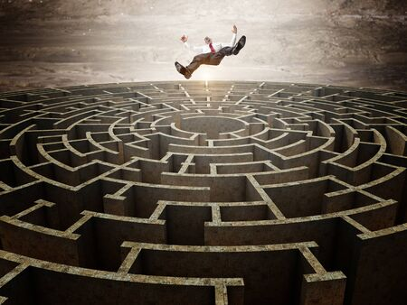 falling man and 3d circular maze photo