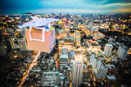 Escena nocturna de dron de entrega en el trabajo, imagen de renderizado 3D