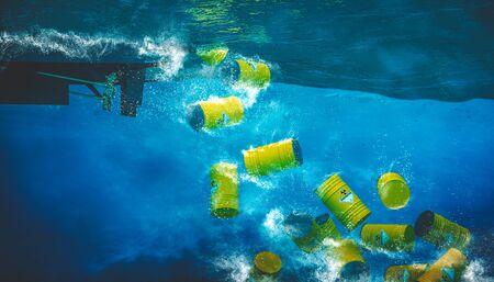 baril contenant des matières dangereuses et radioactives sont rejetés dans la mer à partir d'un bateau. Concept de catastrophe environnementale. rendu 3D Banque d'images