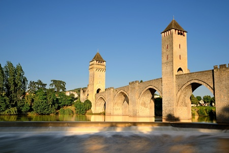 middleages: view of the old bridge (France, Cahors)    Stock Photo