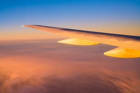 boeing 747: Ala di aeromobili Boeing 747 al tramonto