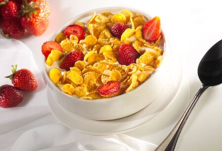 Healthy breakfast of strawberry and cereal bowl Archivio Fotografico