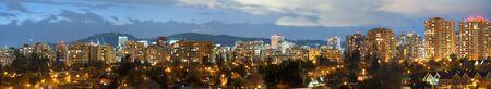 Panorama punteado de Las Condes del distrito, Santiago de Chile, Sudamérica