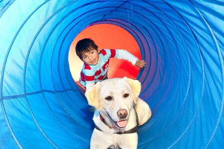 terapias alternativas: Paciente sido tratados con la ayuda de un perro entrenado