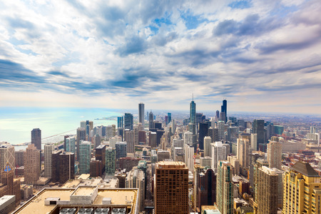 Elevated view of the skyline of downtown Chicago, Illinois, USA 스톡 콘텐츠