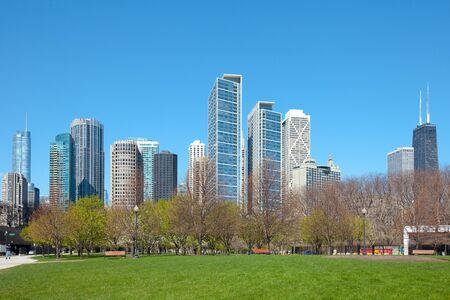 Dawntown skyline, lake shore and Jane Addams Memorial Park, Chicago, Illinois, USA Stock Photo