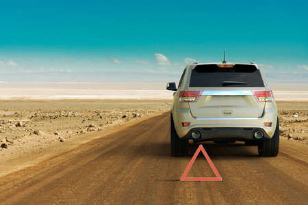 3D rendering of a car failure in the middle of the desert of a SUV.