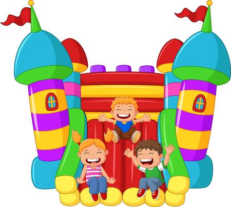 castillos: niño pequeño historieta que juega la diapositiva en el globo inflable