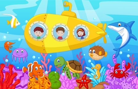 sea creature: Happy kids in submarine on the sea