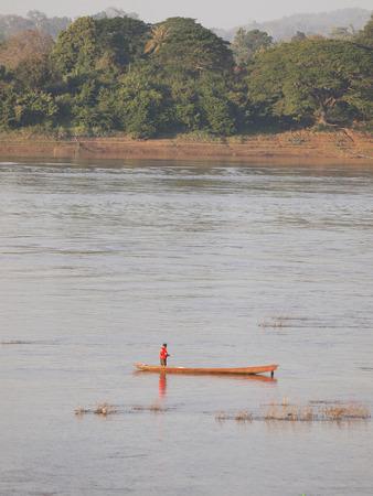fischerei: Binnenfischerei in Mekongs, Die Natur Grenze von Thailand-Laos Lizenzfreie Bilder