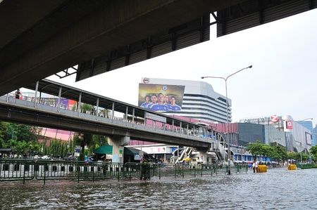 BANGKOK, THAILAND - NOVEMBER 05 : Heavy flooding from monsoon rain in Ayutthaya and north Thailand arriving in Bangkok on November 05,2011 Bangkok, Thailand,At Ladprao junction,Paholyothin & Ladprao Rd.