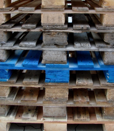 euro pallet: euro pallets, hand-stacked