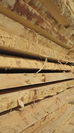 materia prima: tavole di legno - materie prime