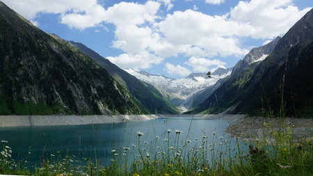 fantastically beautiful lake in the mountains in the Alps of Europe Stock fotó