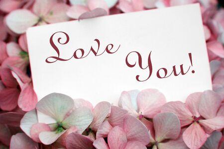 declaracion de amor: flores con tarjeta de amor