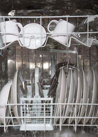 lavare piatti: All'interno della lavastoviglie Archivio Fotografico