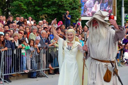 Gabrovo, Bulgaria May 19, 2018. Traditional Carnival of Humor and Satire. Mayor of Gabrovo, Mrs. Tanya Hristova, as Galadriel, from the movie The Lord of the Rings. Reklamní fotografie - 139324272