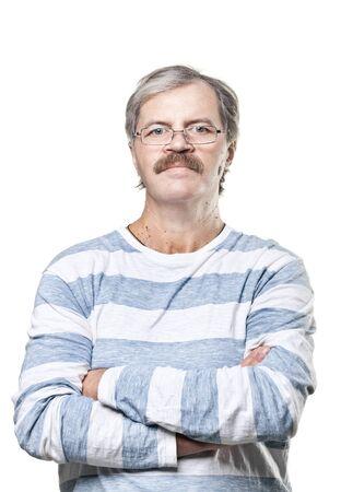 hombre maduro cauc�sico en vasos aislados sobre fondo blanco Foto de archivo - 12627932