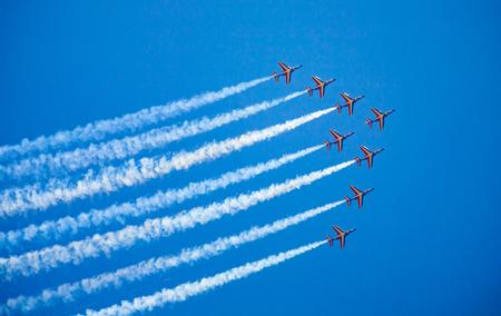 Aeronautica francese, otto jet alfa della Patrouille de France all'esibizione Archivio Fotografico
