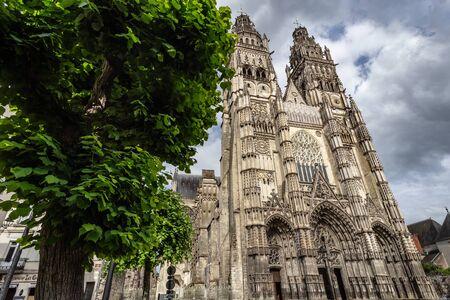 Full facade of cathedral of saint-Gatien in Tours, Centre-Val de Loire, France Reklamní fotografie