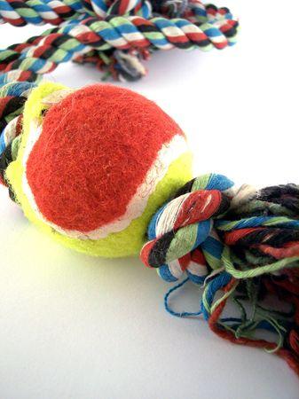 pull toy: Tirando de la cuerda con una pelota de tenis