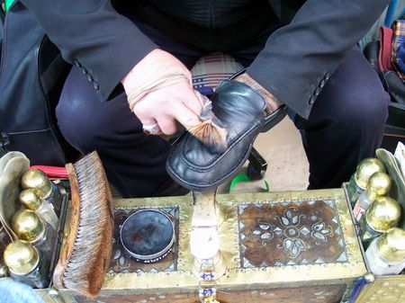 shoe polishing photo