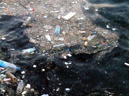 mares: la contaminaci�n del agua  Foto de archivo