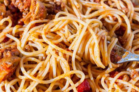 spaghetti bolognese: Classic Spaghetti Bolognese in a white pasta bowl