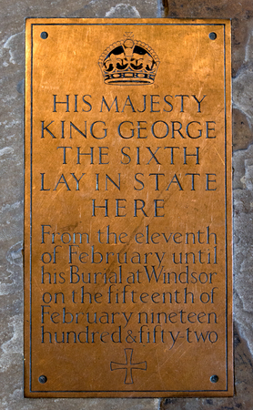 vi: Brass Plaque commemorating lying in state of George VI