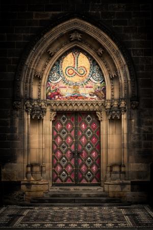 Entrance door of St. Peter and Paul church in Prague Standard-Bild