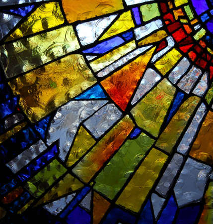 glas kunst: gebrandschilderd glas paneel van kerk Stockfoto