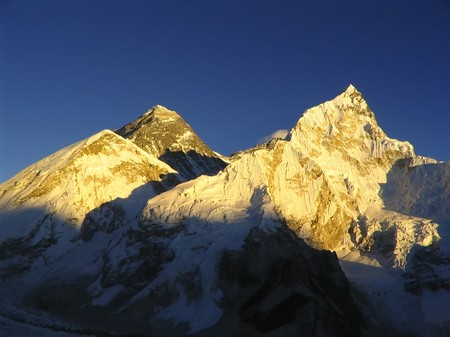 aspiring: Worlds heighest mountain, Mt Everest (8850m) and Nuptse to the right in the Himalaya, Nepal.