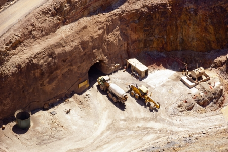 'earth mover': Mining in Australia at the Cobar mine site