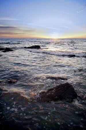 brilliant colors: Puesta de sol sobre el oc�ano en colores brillantes