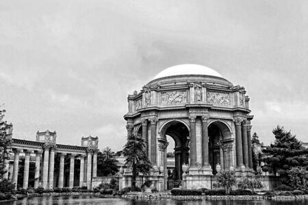 san francisco: Exploratorium at San Francisco in black and white