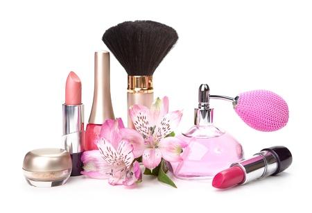 Cosmetici e fiore isolato su sfondo bianco Archivio Fotografico - 20437564