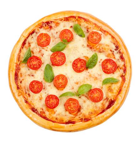Lekkere, smaakvolle pizza geïsoleerd op witte achtergrond
