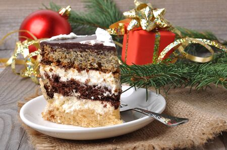 christmas pudding: Christmas cakes on wooden background