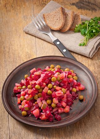 ensalada rusa: Tradicional ensalada rusa de remolacha