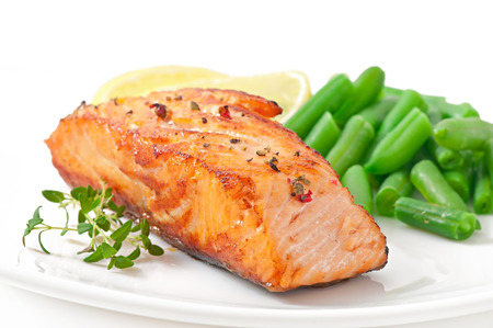 Grilled salmon and green beans photo