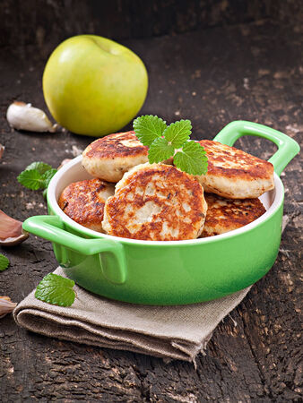 chicken cutlets with apple and mint photo