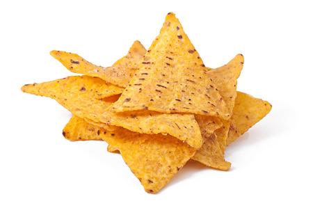 tortilla de maiz: Pila de nachos sobre un fondo blanco