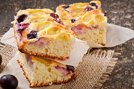 pie with grapes and vanilla photo