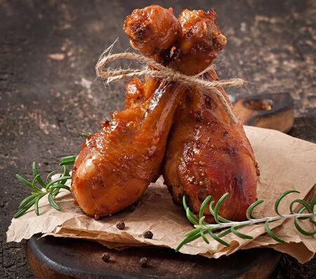 marinade: Baked chicken drumsticks in honey-mustard marinade Stock Photo